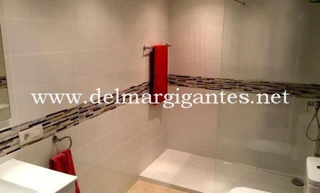 Calle Pino 3 en-suite bathroom