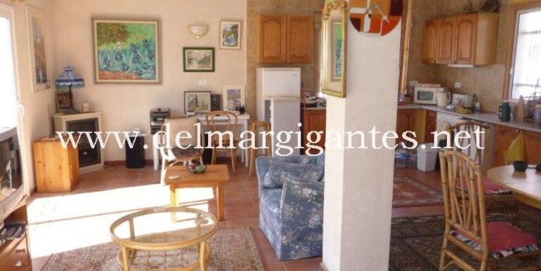 Villa dn LR 2 re P1120529