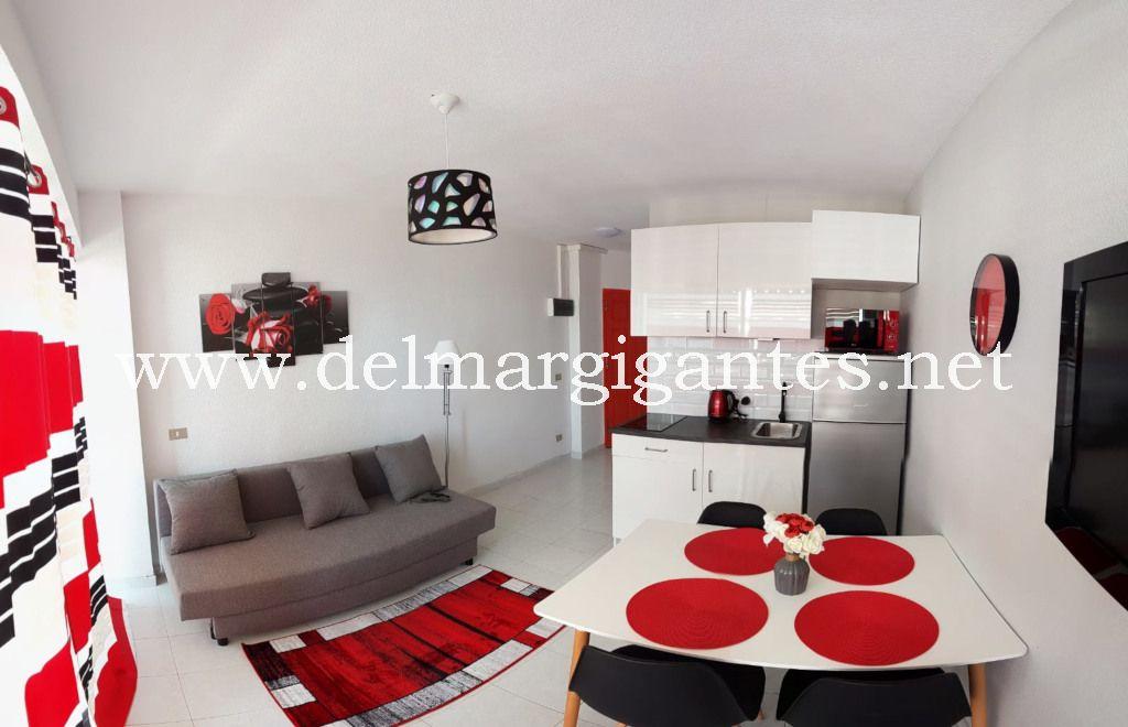 Puerto Santiago-Arenas Negras-apartament 4 osoby-salon1